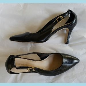 COLE HAAN Grand OS Black Leather Cut Out Pumps 7
